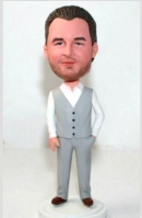 Cheap groomsmen bobbleheads made from photos
