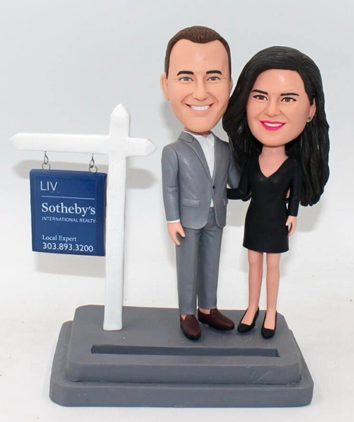 Custom realtor bobbleheads for couple