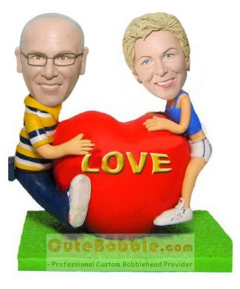 Love couple bobbleheads for parents